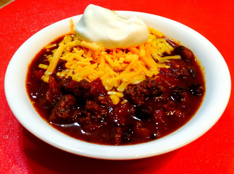 Chili with cheddar and sour cream